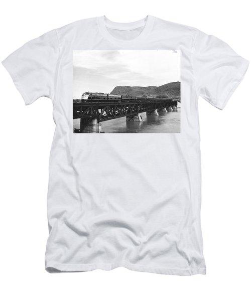 Train Crossing A Trestle Men's T-Shirt (Athletic Fit)