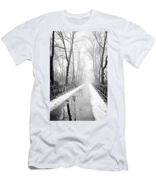 Walkway Snow And Fog Nyc Men's T-Shirt (Athletic Fit)