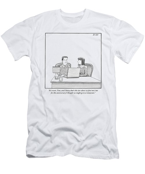 Woman Speaks To Husband As They Sit Behind A Desk Men's T-Shirt (Athletic Fit)