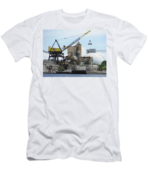 Yellow Crane Men's T-Shirt (Athletic Fit)