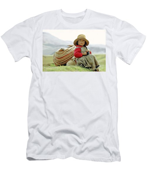 Young Girl In Peru Men's T-Shirt (Slim Fit)