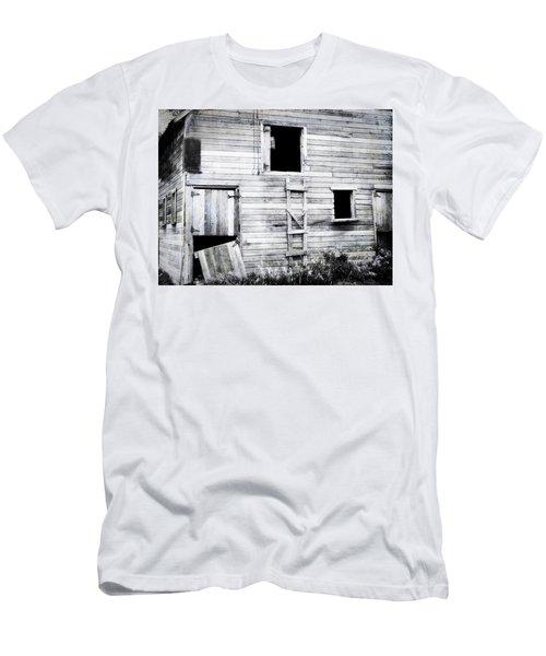 Aging Barn  Men's T-Shirt (Athletic Fit)