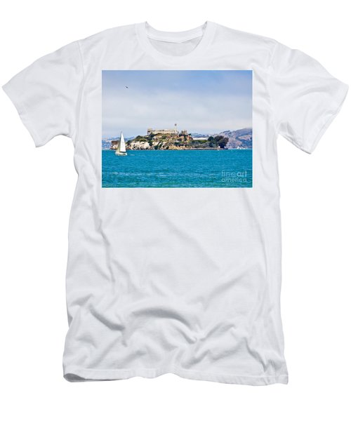 Alcatraz - San Francisco Men's T-Shirt (Athletic Fit)