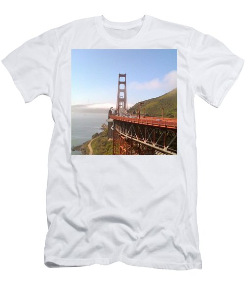 Golden Gate Bridge - San Francisco Ca Men's T-Shirt (Athletic Fit)