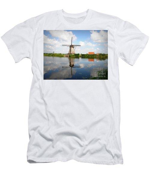 Kinderdijk Windmill Men's T-Shirt (Athletic Fit)