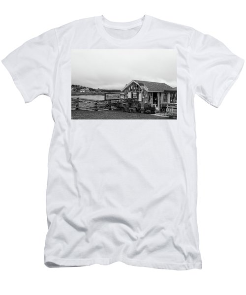 Lobster House Bw Men's T-Shirt (Athletic Fit)