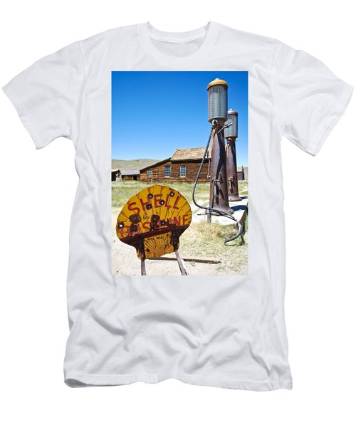 Old Gas Pumps Men's T-Shirt (Athletic Fit)