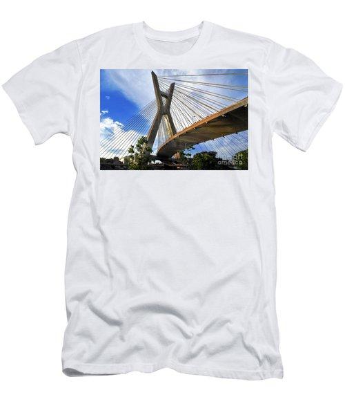 Ponte Estaiada Octavio Frias De Oliveira Ao Cair Da Tarde Men's T-Shirt (Athletic Fit)