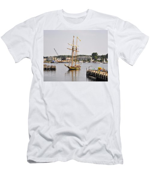 Pride Of Baltimore II Pb2p Men's T-Shirt (Athletic Fit)