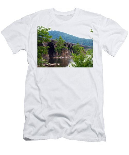 The Great Old Bridge Men's T-Shirt (Athletic Fit)