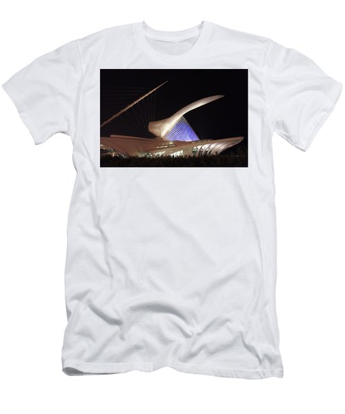 Milwaukee Art Museum Night View Men's T-Shirt (Athletic Fit)