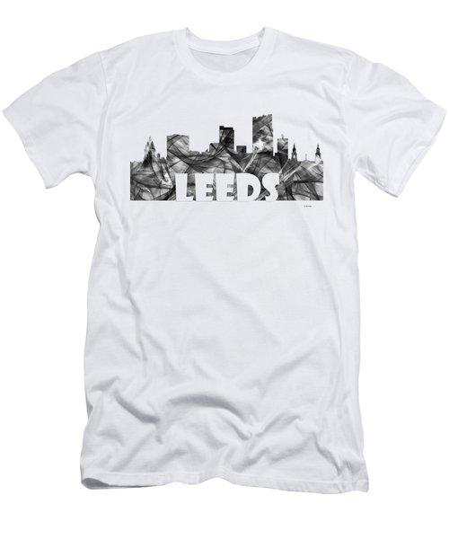 Leeds England Skyline Men's T-Shirt (Athletic Fit)