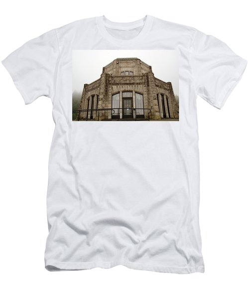 Vista House, Columbia River Gorge, Or. Men's T-Shirt (Athletic Fit)