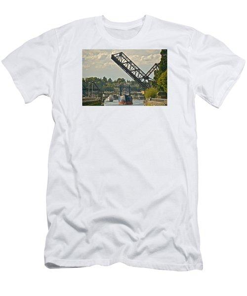 Ballard Locks Men's T-Shirt (Athletic Fit)