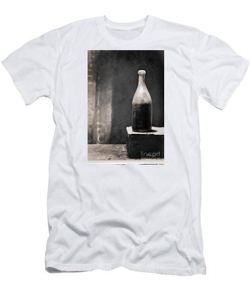 Vintage Beer Bottle Men's T-Shirt (Athletic Fit)