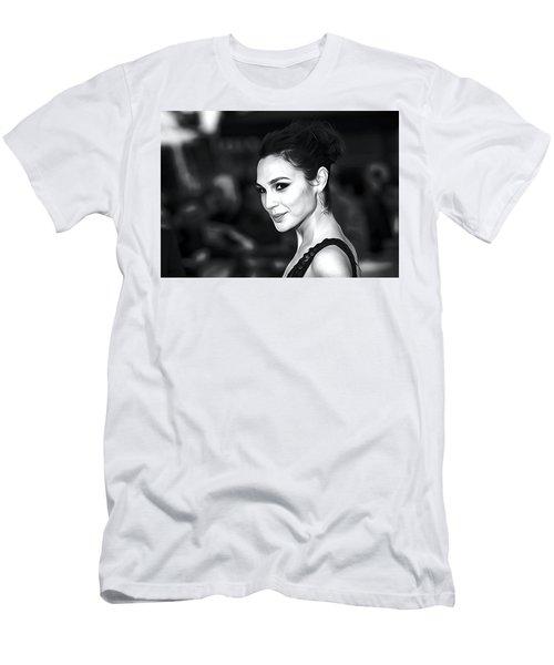 Gal Gadot Print Men's T-Shirt (Slim Fit) by Best Actors