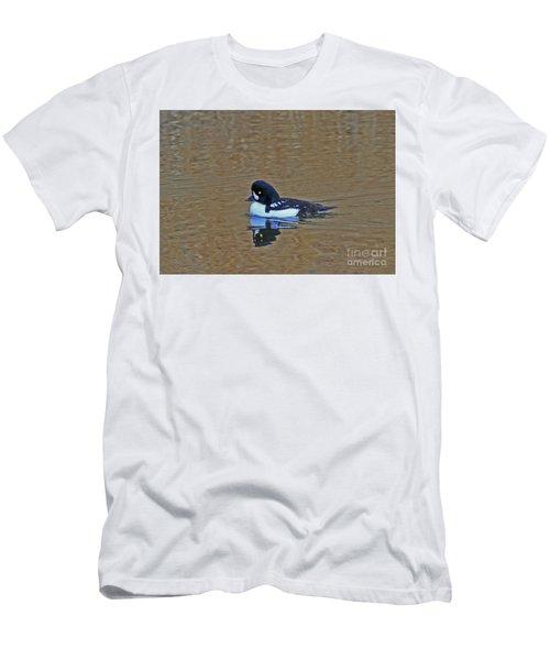 Barrow's Goldeneye Men's T-Shirt (Athletic Fit)