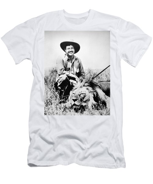 Ernest Hemingway Men's T-Shirt (Athletic Fit)