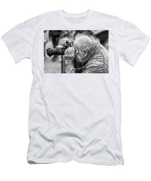A Photographers Photographer Men's T-Shirt (Athletic Fit)