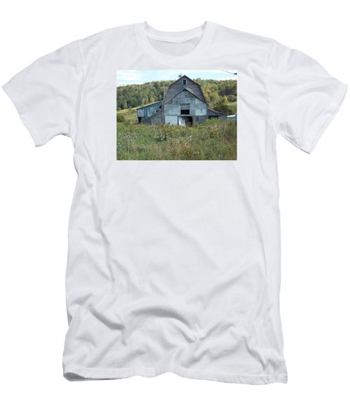 Abandoned Barn Men's T-Shirt (Slim Fit) by Catherine Gagne