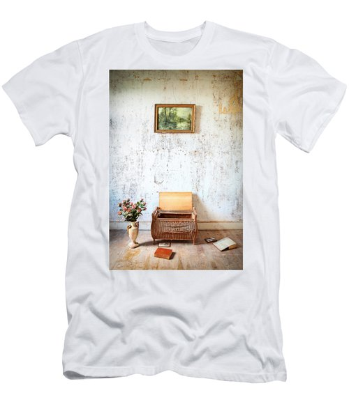 Abandoned Memories -urbex Men's T-Shirt (Athletic Fit)