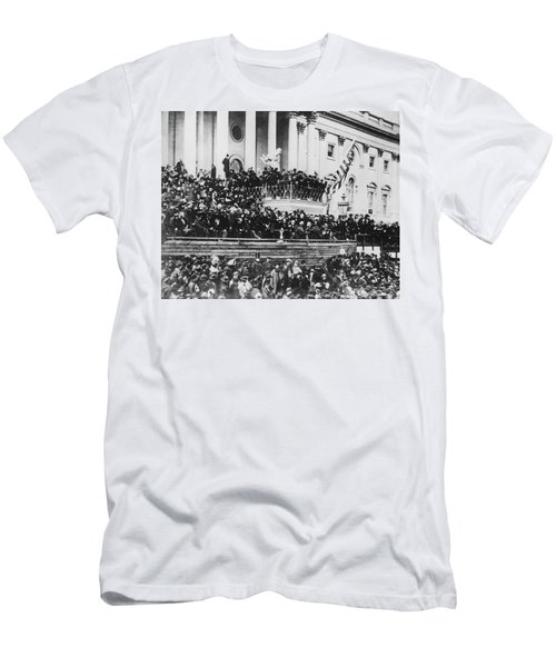 Abraham Lincoln Gives His Second Inaugural Address - March 4 1865 Men's T-Shirt (Athletic Fit)