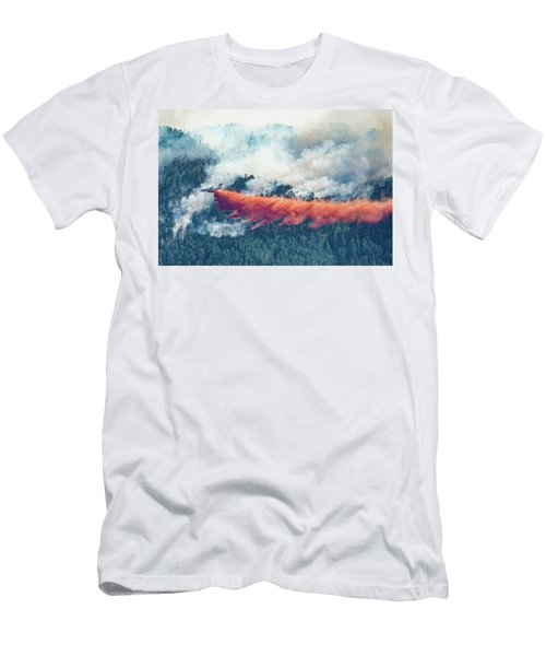 Air Tanker On Crow Peak Fire Men's T-Shirt (Athletic Fit)