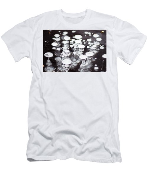 Air Trapped In Ice Men's T-Shirt (Athletic Fit)
