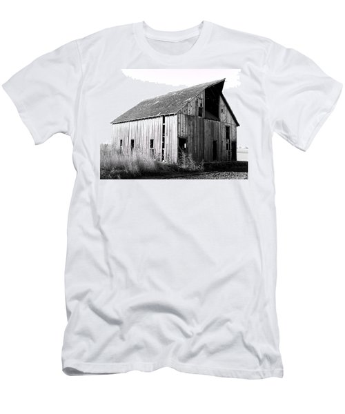 Albert City Barn 3 Men's T-Shirt (Athletic Fit)