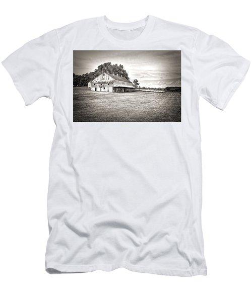 Amana Colonies Farm House Men's T-Shirt (Athletic Fit)