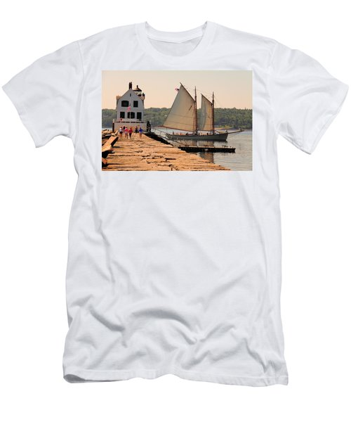 American Eagle At The Lighthouse Men's T-Shirt (Athletic Fit)