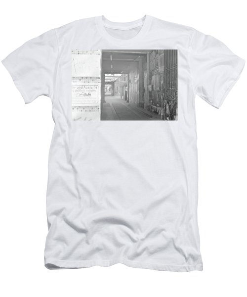 An Alley To A Backstreet Men's T-Shirt (Athletic Fit)