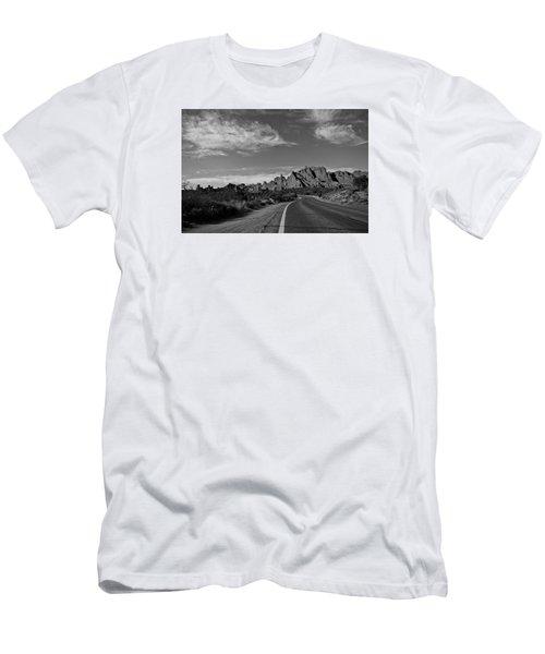 Arches Road Men's T-Shirt (Athletic Fit)