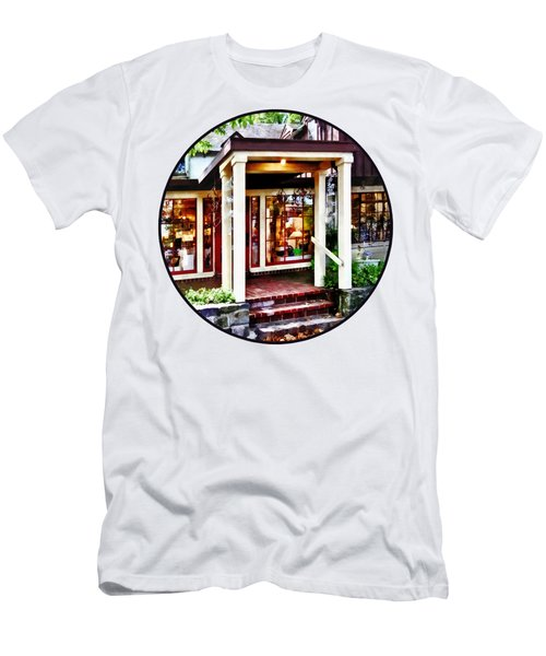 New Hope Pa - Craft Shop Men's T-Shirt (Slim Fit) by Susan Savad