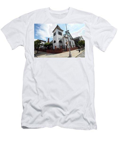 Asamblea Evangelica Evergreen Church Men's T-Shirt (Athletic Fit)