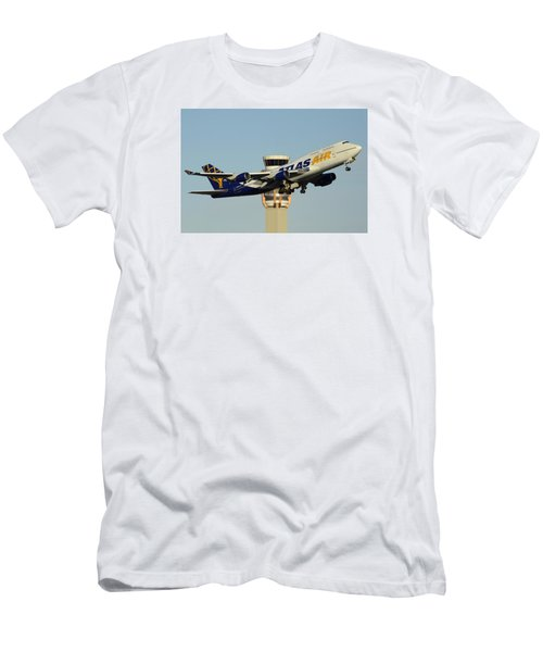 Atlas Boeing 747-446 N465mc Phoenix Sky Harbor January 3 2015 Men's T-Shirt (Slim Fit)