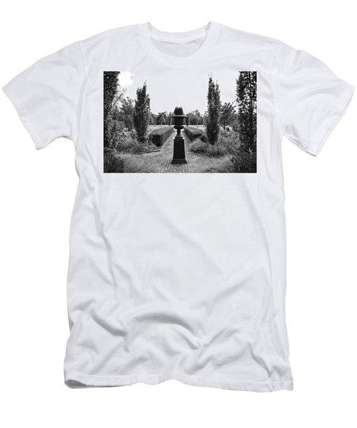 Bardstown Garden  Men's T-Shirt (Athletic Fit)