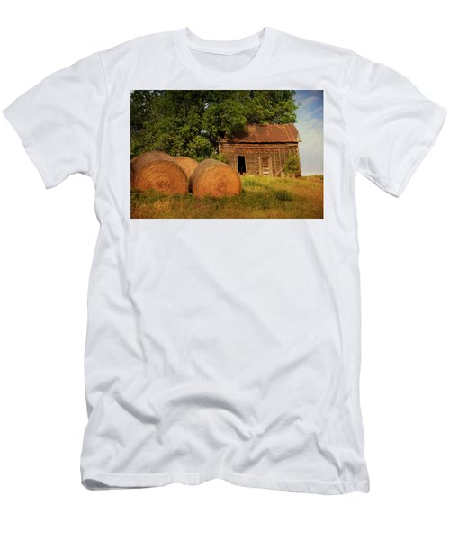 Barn With Haybales Men's T-Shirt (Athletic Fit)