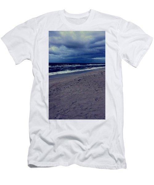 Beach Men's T-Shirt (Slim Fit)