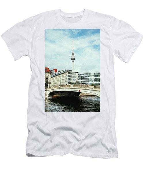 Berlin City View Men's T-Shirt (Athletic Fit)