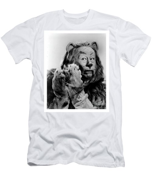 Cowardly Lion In The Wizard Of Oz Men's T-Shirt (Athletic Fit)