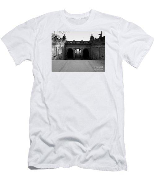 Bethesda Terrace In Central Park - Bw Men's T-Shirt (Slim Fit) by James Aiken