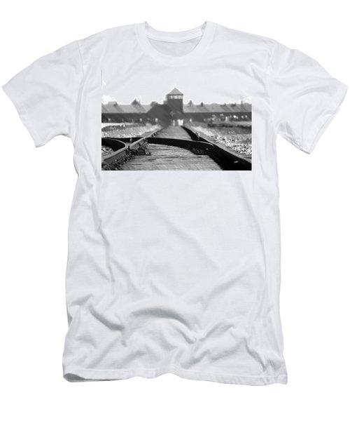 Birkenau / Auschwitz Railhead - Pol402324 Men's T-Shirt (Athletic Fit)