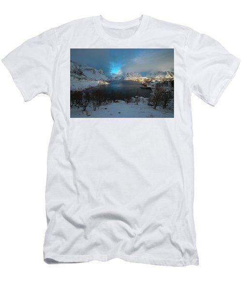 Blue Hour Over Reine Men's T-Shirt (Athletic Fit)