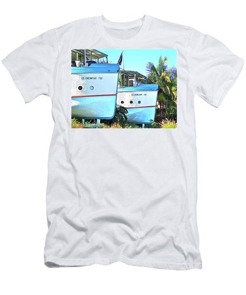 Boat Houses  Men's T-Shirt (Athletic Fit)