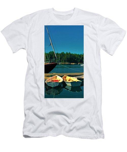 Brooklyn Men's T-Shirt (Athletic Fit)