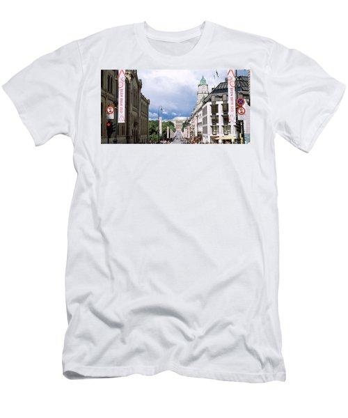 Buildings Along A Street With Royal Men's T-Shirt (Athletic Fit)