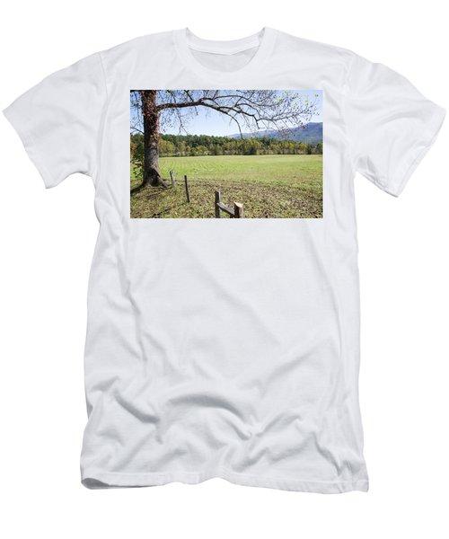 Cades Fence Men's T-Shirt (Athletic Fit)