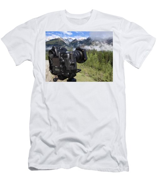 Camera Mountain Men's T-Shirt (Athletic Fit)