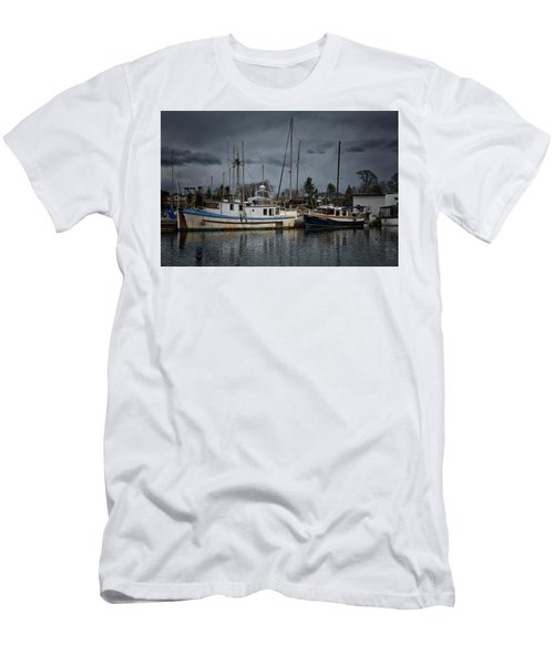 Men's T-Shirt (Slim Fit) featuring the photograph Camjim by Randy Hall